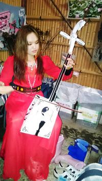 2016年6月9日【社会奉仕活動】「ホタル観賞会」竹原会員が雇用するモンゴル人奨学生による馬頭琴の演奏